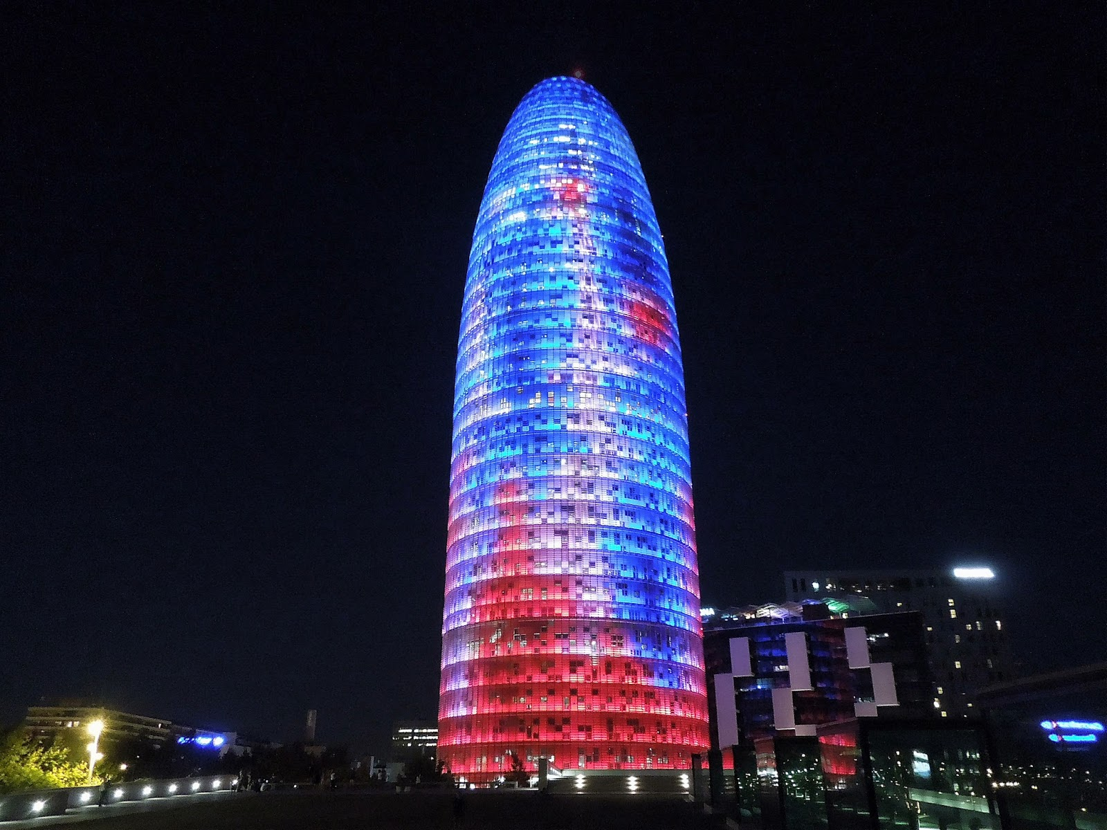Torre-Agbar_night