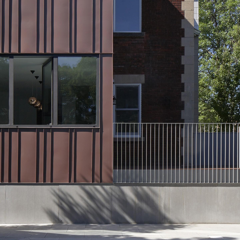 Agrandissement d'une maison à Montréal avec les architectes Pelletier de Fontenay. Residential extension in Montreal.