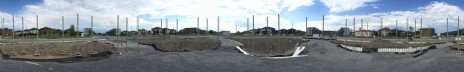 Chantier de la Place Alta Vista: les colonnes d'acier sont installées. Alta Vista site: the steel columns are in place.