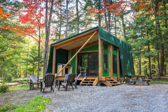 Sépaq prêt-à-camper Étoile, conception en bois et membrane.